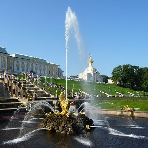 Most Impressive Fountain Statues in the World - Samson Fountain, Peterhof Palace, Russia